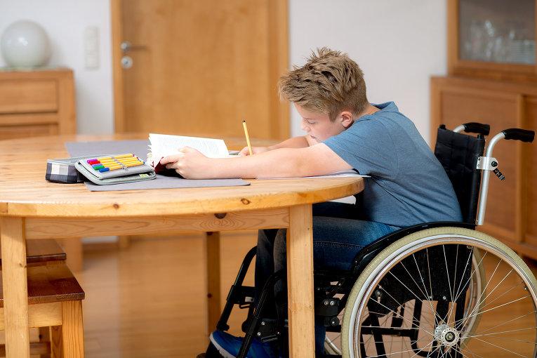 Как организовать домашнее обучение детей инвалидов