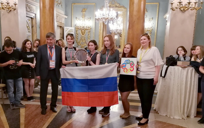 Золото Европейской математической олимпиады у российских школьниц