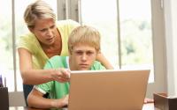Стоит ли родителям контролировать своих детей