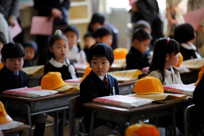 Чем отличается школа в Японии от российской школы?