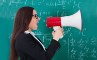 Почему учителя кричат