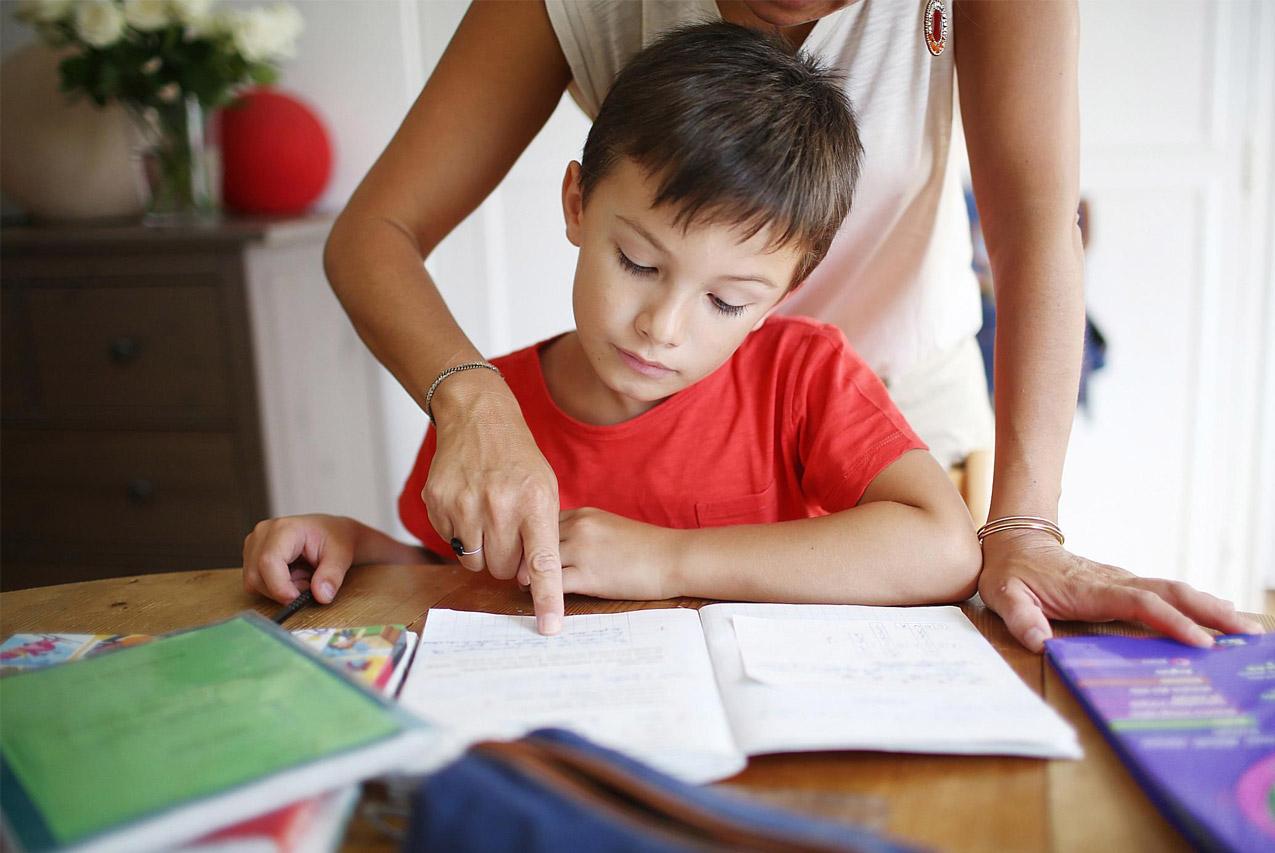 Как помочь гиперактивному ребенку учить уроки?